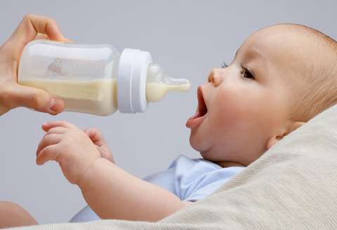 تصویر کاربرد شیشه شیر کودک