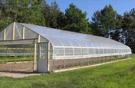 تصویر گلخانه سقف شیروانی